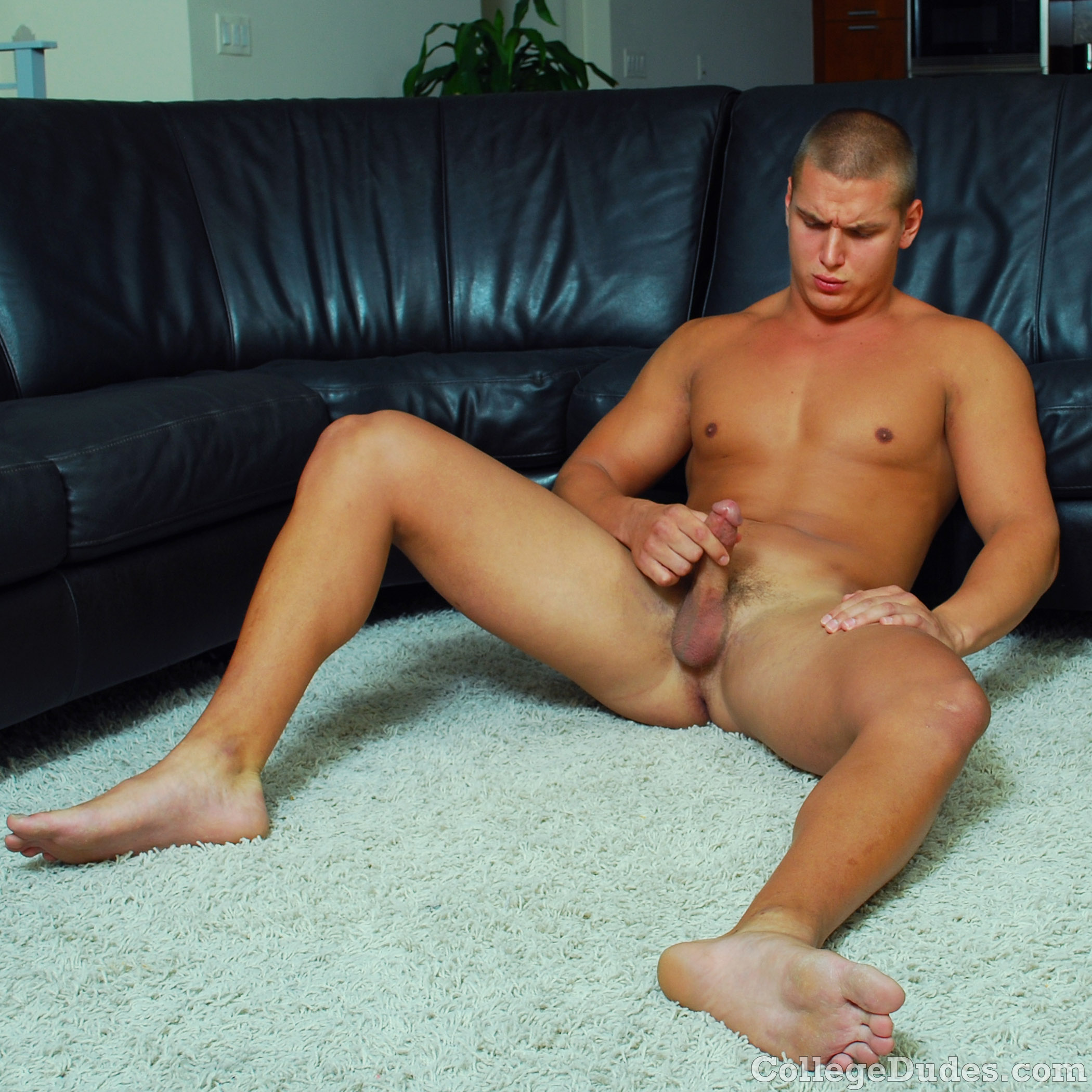 Mike Young Amateur Straight Collegedudes Naked Jacking Off