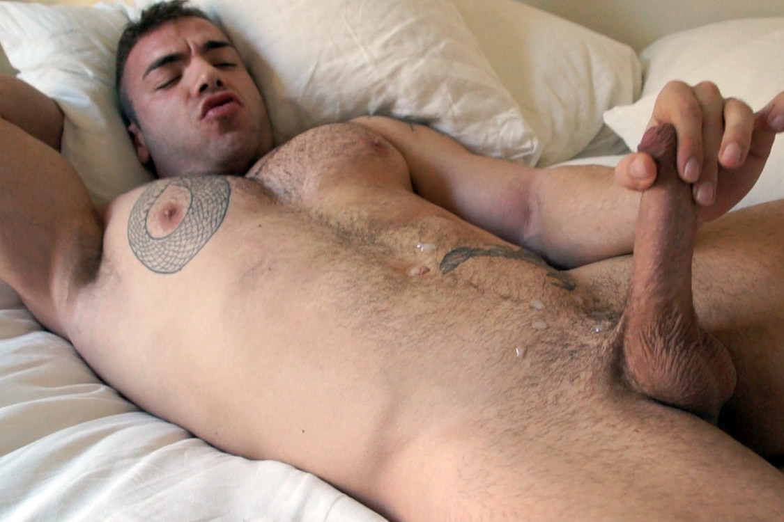 Bentley-Race-Max-Hilton-Uncut-cock-Muscle-30 Amateur Straight Bodybuilder Shows off his Massive Uncut Cock