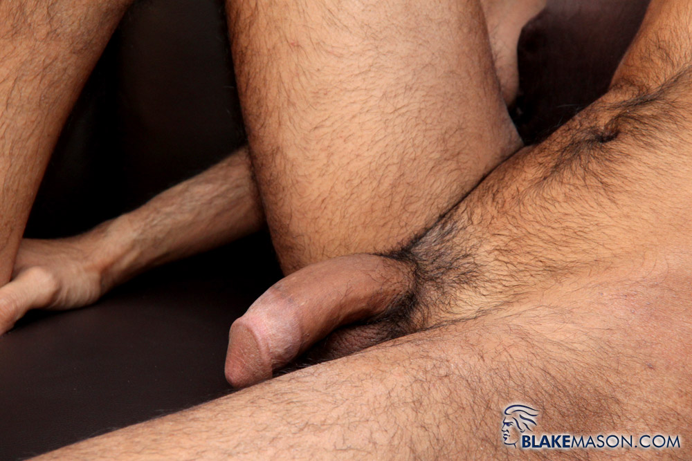 BlakeMason-Jamal-Jones-Solo-Jack-Off-04 Amateur Skinny Hairy Young Guy Masturbating a Big Cock