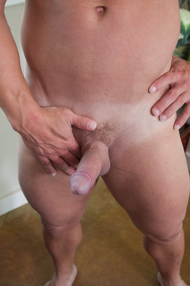 Southern-Strokes-Tyson-Texas-Muscle-Daddy-With-Thick-Cock-Amateur-Gay-Porn-07 Straight Texas Muscle Stud Jerks His Thick Cock And Shoots A Load