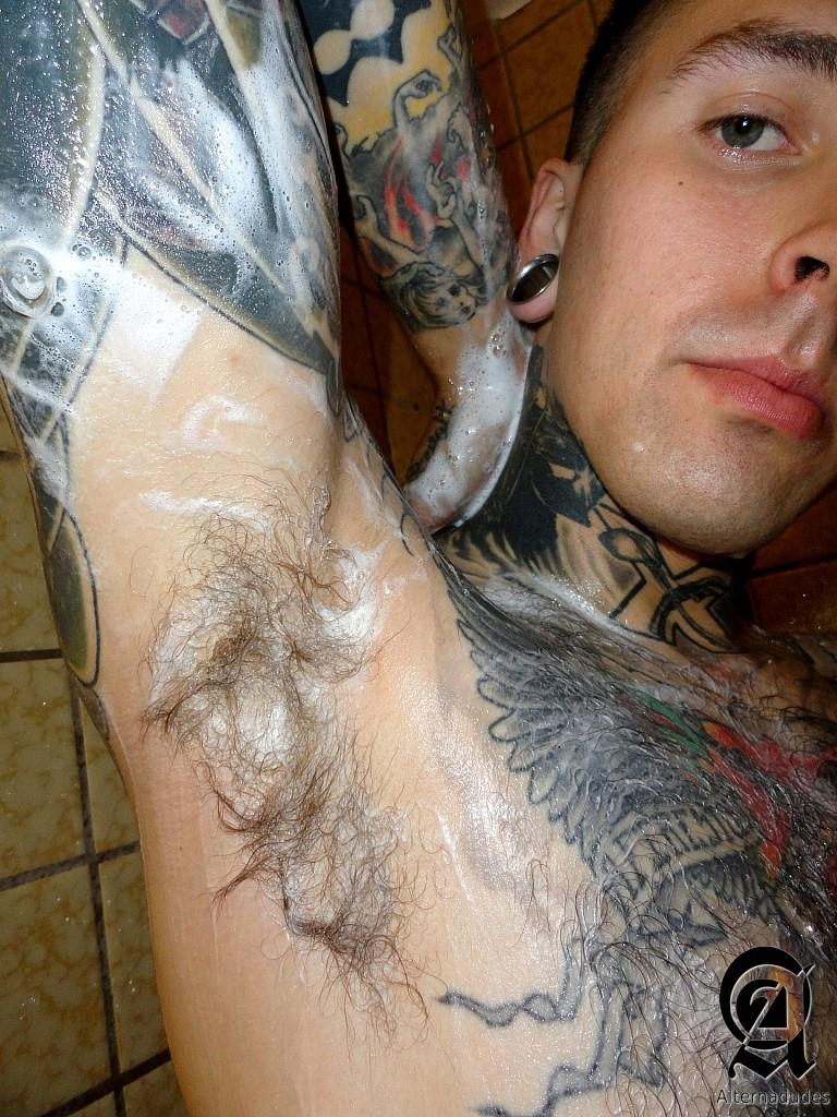 Alternadudes-Ruckus-Tattoo-Tatted-Hipster-Guy-Jerking-Big-Cock-In-Shower-Amateur-Gay-Porn-03 Amateur Tatted San Francisco Hipster Jerks His Big Cock In The Shower
