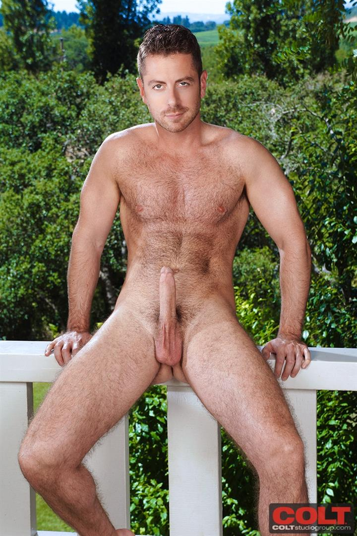 Off jerk hairy bear muscle