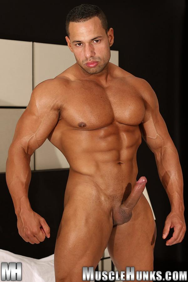 MuscleHunks-Cosmo-Babu-Naked-Bodybuilder-Stroking-A-Huge-Cock-Amateur-Gay-Porn-15 Huge Professional Bodybuilder Shows And Strokes His Huge Cock