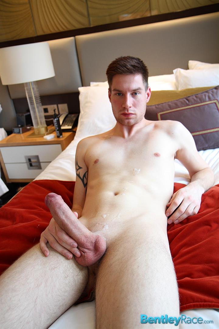 Bentley-Race-Max-Leider-German-Guy-With-A-Huge-Uncut-Cock-Jerk-Off-And-Cum-Amateur-Gay-Porn-16 Young German Hunk With A Massive Uncut Cock Rubbing One Out