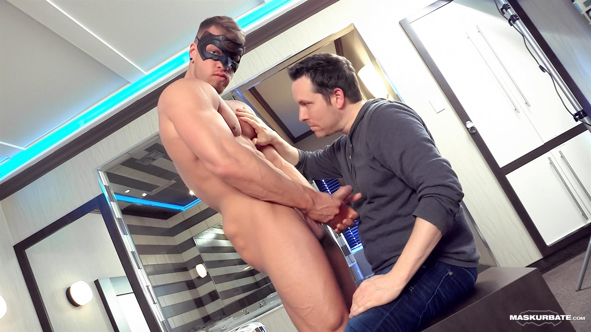 Maskurbate-Pascal-and-Brad-Straight-Muscle-Hunk-With-A-Big-Uncut-Cock-Jerking-His-Cock-Amateur-Gay-Porn-09 Worshipping A Straight Muscle Hunk With A Big Uncut Cock