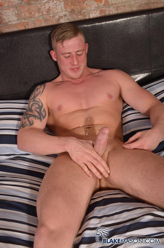 Blake-Mason-Andy-Lee-and-Liam-Lawrence-Straight-Muscle-Hunks-With-Big-Uncut-Cocks-Amateur-Gay-Porn-16 Big Uncut Cock Straight Muscle Guys Jerking Off