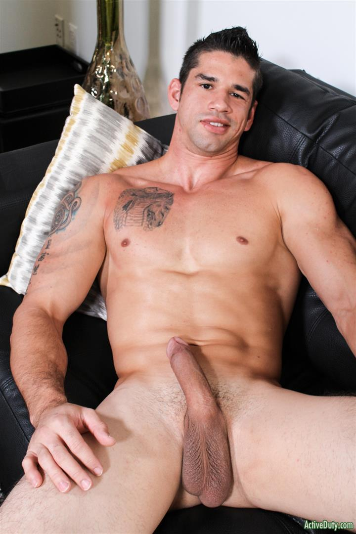 Active-Duty-Jason-Richards-Army-Naked-Soldier-With-A-Big-Cock-07 Check Out The Long Cock On This New Army Recruit