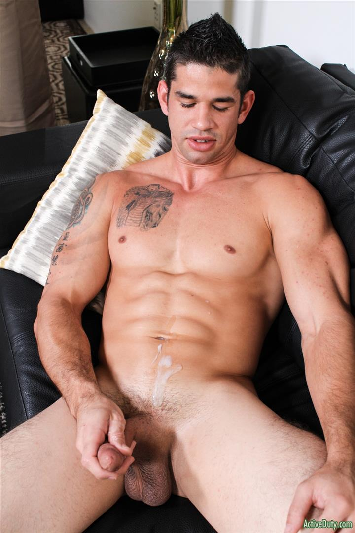 Active-Duty-Jason-Richards-Army-Naked-Soldier-With-A-Big-Cock-11 Check Out The Long Cock On This New Army Recruit