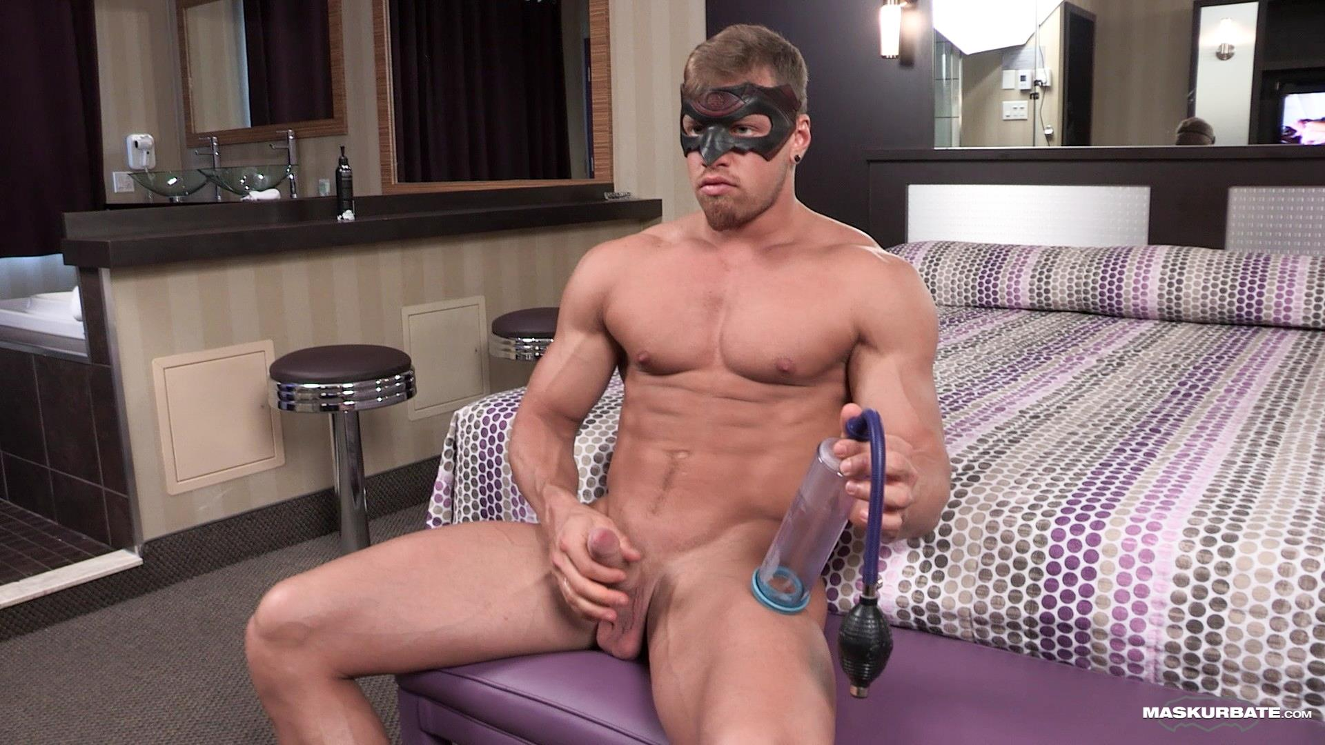 Maskurbate-Brad-and-Pascal-Muscle-Hunk-Jerking-Off-In-A-Condom-04 Straight Masked Muscle Hunk Gets Paid To Jerk Off In A Condom
