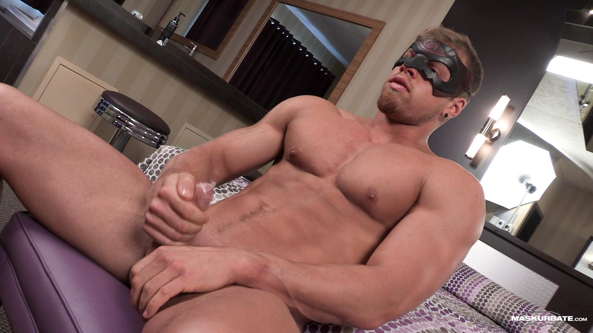 Maskurbate-Brad-and-Pascal-Muscle-Hunk-Jerking-Off-In-A-Condom-08 Straight Masked Muscle Hunk Gets Paid To Jerk Off In A Condom