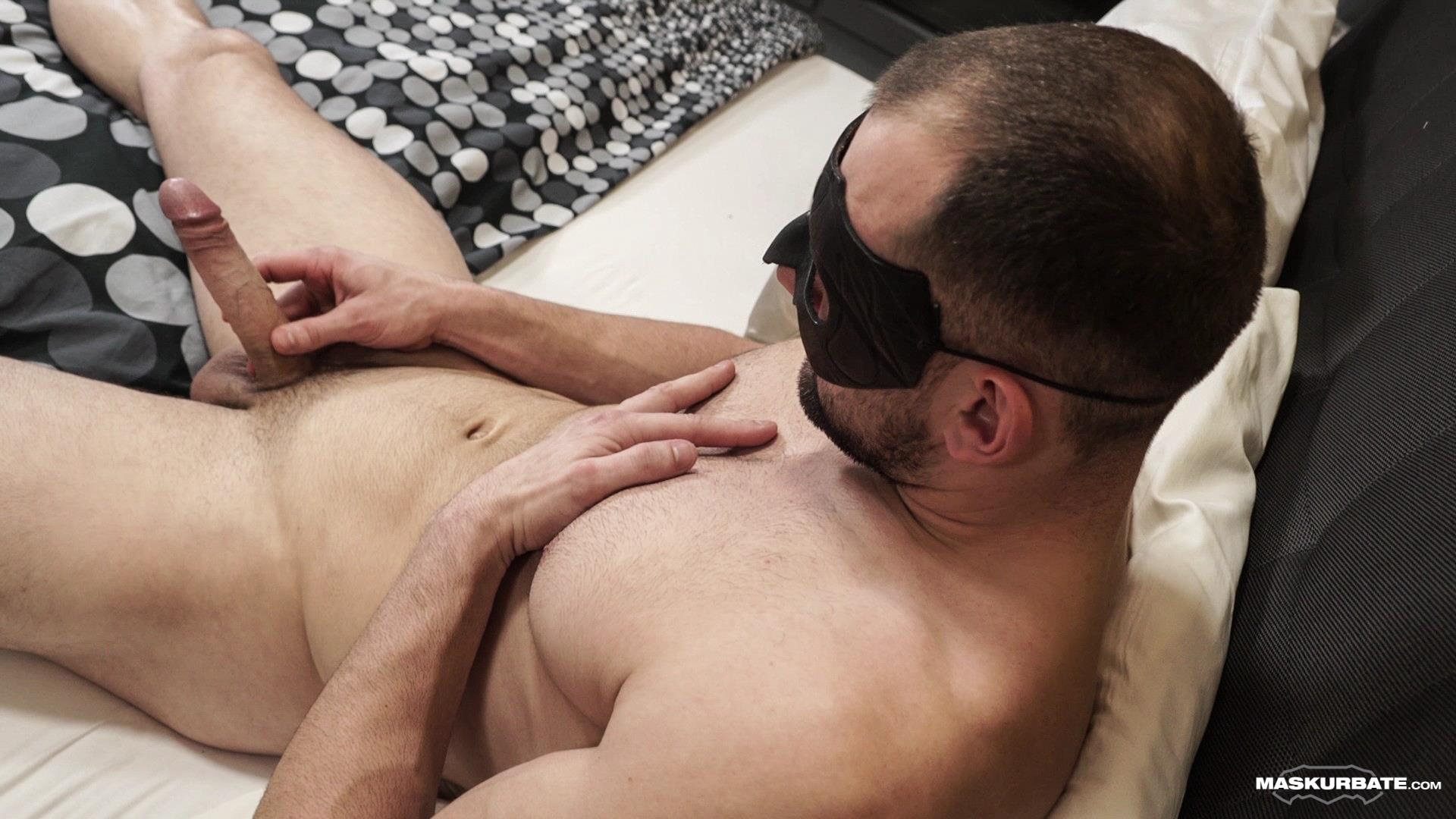 Maskurbate-Obaid-Bisexual-Muscle-Hunk-With-A-Big-Uncut-Cock-Jerking-off-11 Bisexual Muscle Hunk Jerks Off His Big Uncut Cock
