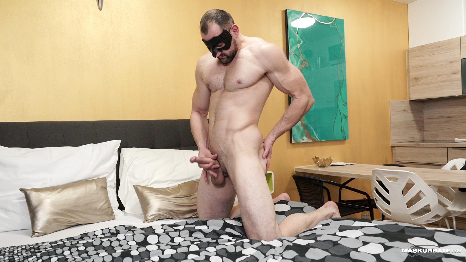 Maskurbate-Obaid-Bisexual-Muscle-Hunk-With-A-Big-Uncut-Cock-Jerking-off-13 Bisexual Muscle Hunk Jerks Off His Big Uncut Cock