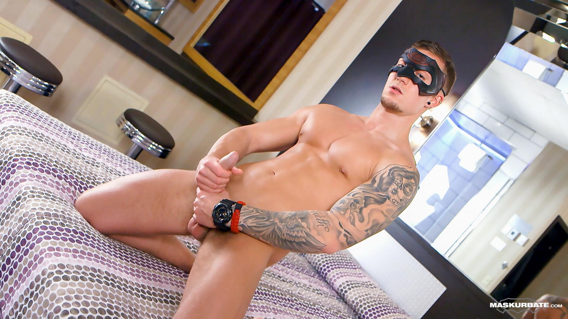 Maskurbate-Vince-Smooth-Muscle-Hunk-With-A-Big-Uncut-Cock-Jerking-Off-09 Smooth Tatted Body Builder Jerks Off His Big 9