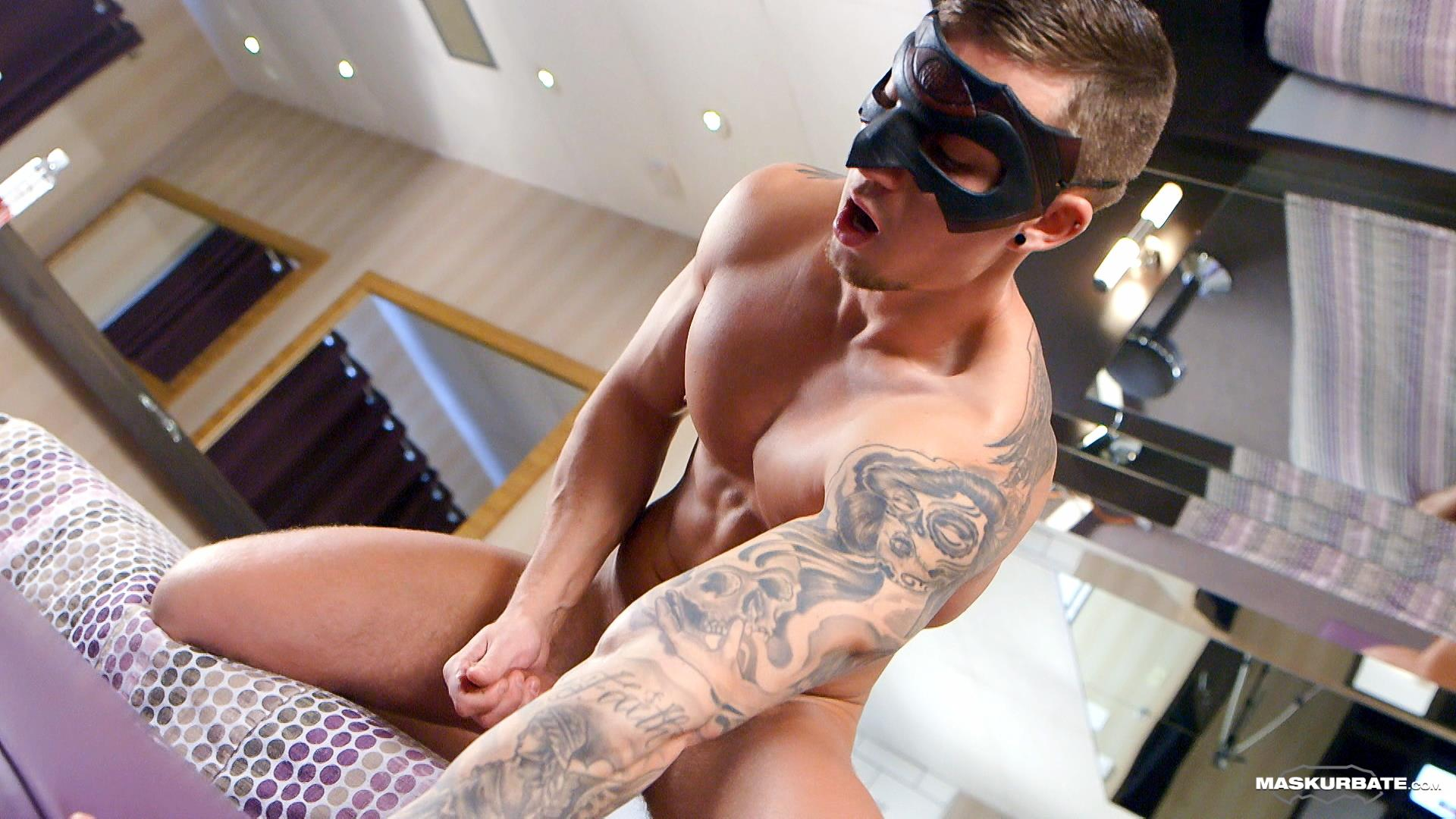 Maskurbate-Vince-Smooth-Muscle-Hunk-With-A-Big-Uncut-Cock-Jerking-Off-12 Smooth Tatted Body Builder Jerks Off His Big 9